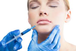 Injections d'acide hyaluronique dans les lèvres à Paris